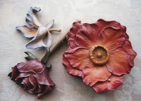 花の木彫りのイメージ