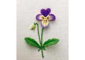 英国立体刺繍スタンプワーク(C.E.N.S.主宰 森本 さちこ 監修)のイメージ
