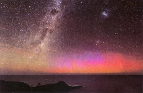 星空を楽しもう オーロラと大小マゼラン雲