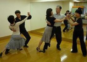 はじめて踊るアルゼンチン・タンゴのイメージ