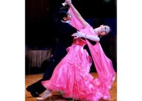 日曜社交ダンスのイメージ