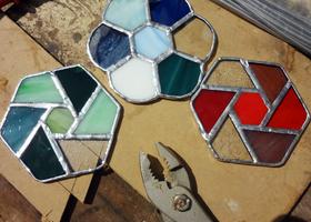 ステンドグラス小物作成のイメージ